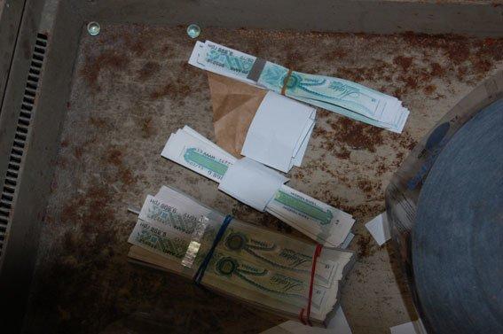 У супермаркетах Львова продавали тисячі пляшок фальсифікованої горілки (ФОТО), фото-5
