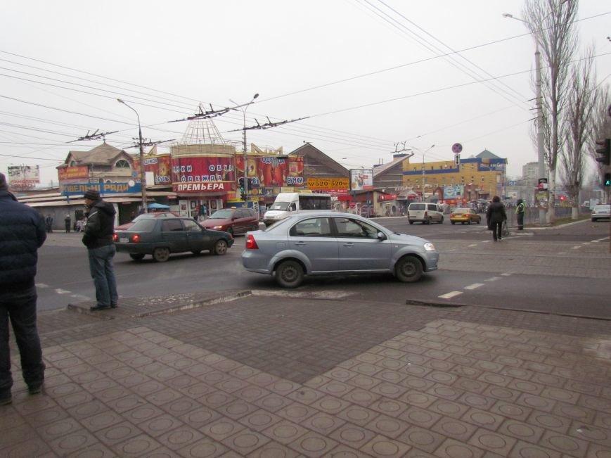 Мариупольцы обрадовались порядку на центральном перекрестке (Дополнено, ФОТОФАКТ), фото-2