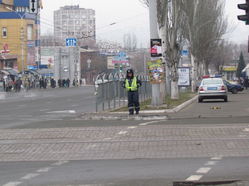 Мариупольцы обрадовались порядку на центральном перекрестке (Дополнено, ФОТОФАКТ), фото-1