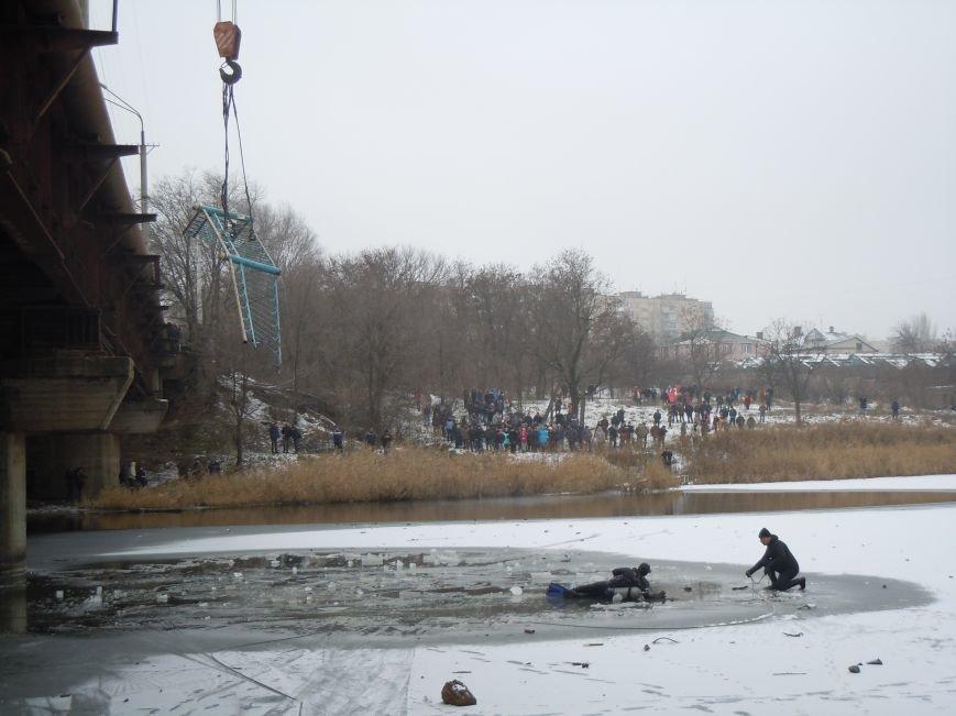 Трагедия на мосту в Кривом Роге: утонули трое детей и женщина-водитель (ФОТО, ВИДЕО), фото-1