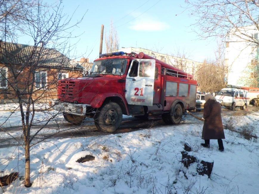 В доме  по улице Октябрьской при пожаре сгорел человек (ФОТО), фото-2