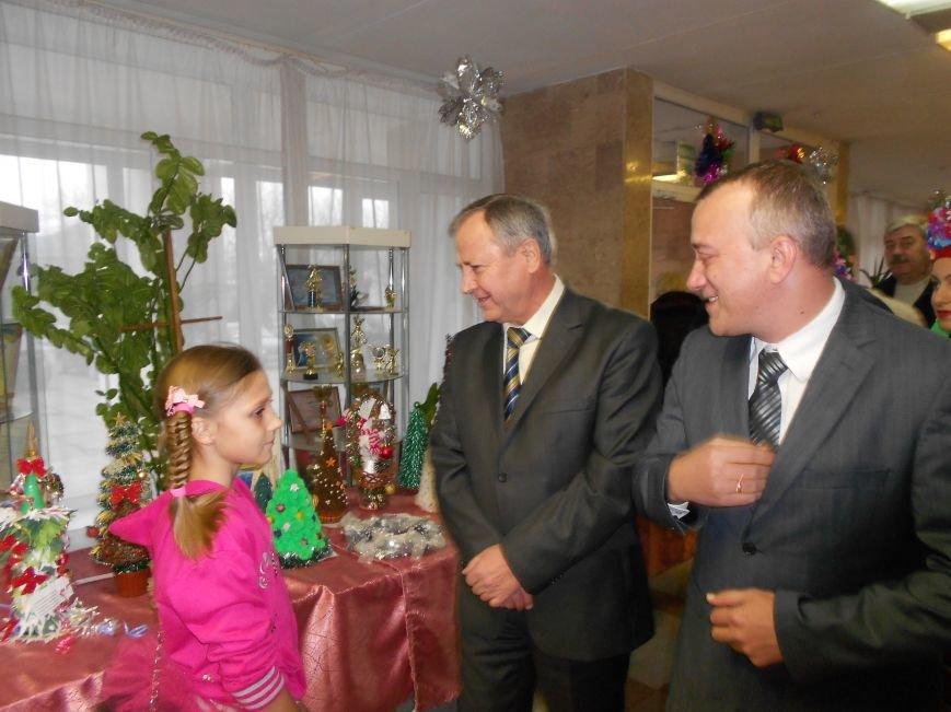 Мэр Мариуполя поздравил сирот в отремонтированном «Дворце пионеров» (ФОТО), фото-9
