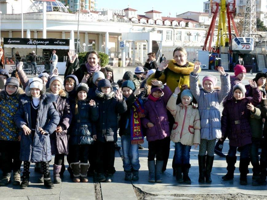 В День Святого Николая в Ялте открылась городская елка (ФОТО), фото-1