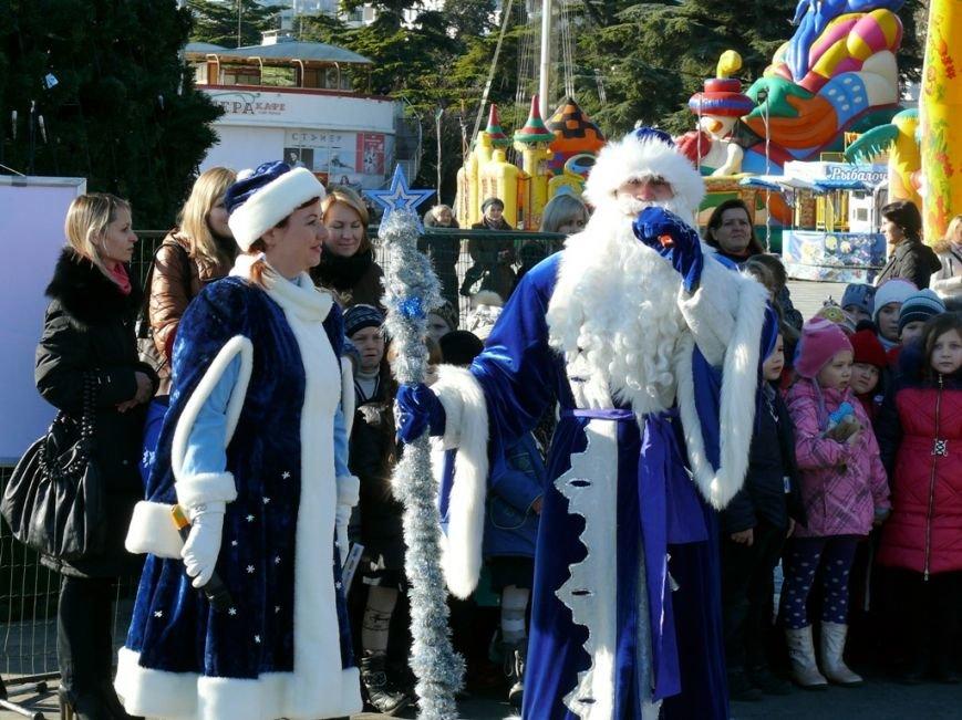 В День Святого Николая в Ялте открылась городская елка (ФОТО), фото-3