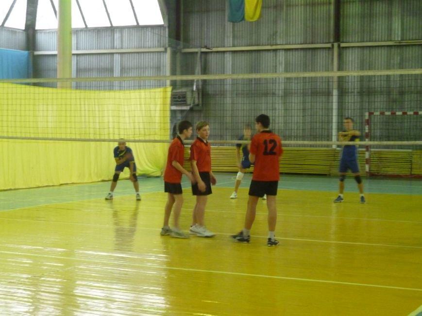 В Родинском проходит Чемпионат Украины по волейболу, фото-1
