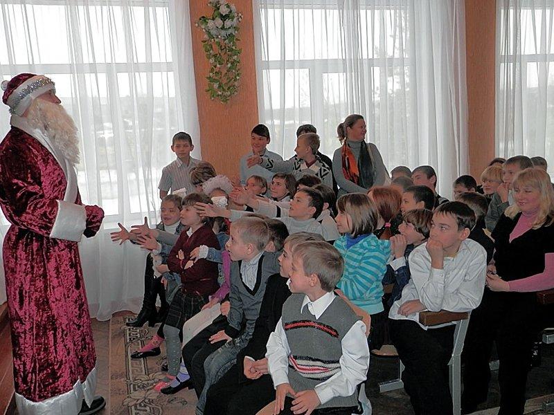 Луганчане передали машину подарков ребятам из Счастьенской школы-интерната (ФОТО), фото-5