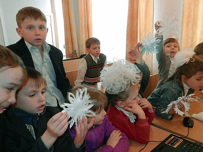 Луганчане передали машину подарков ребятам из Счастьенской школы-интерната (ФОТО), фото-4