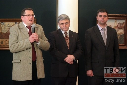 20131220_гродно_польский посол_приехал_открыл выставку-1