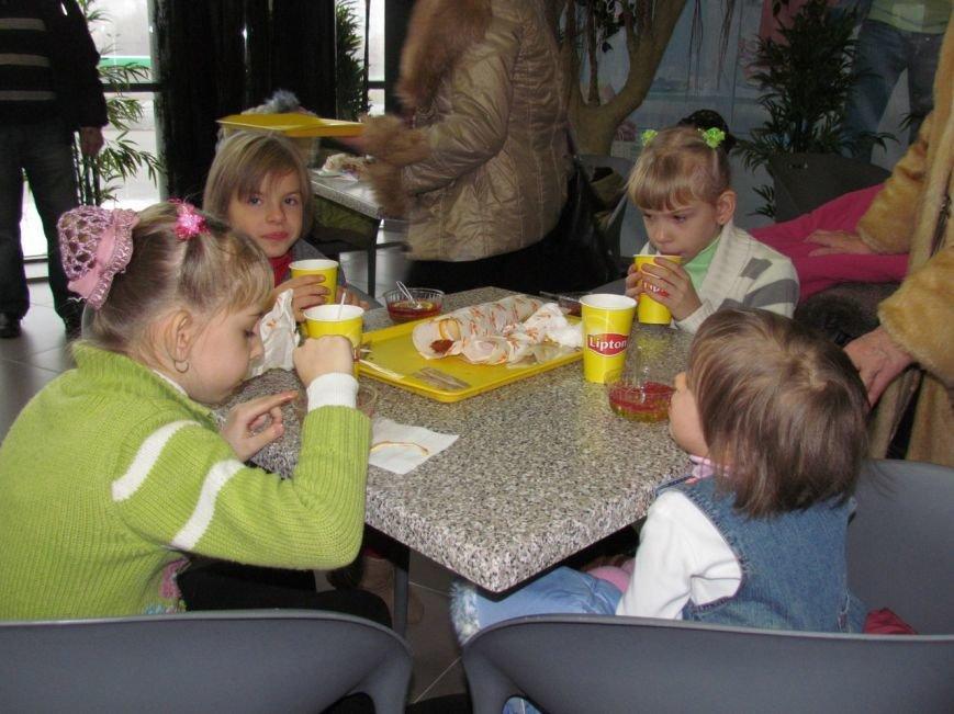 В Мариуполе в ТРЦ«ПортCity» подарили праздник детям (ФОТО), фото-2