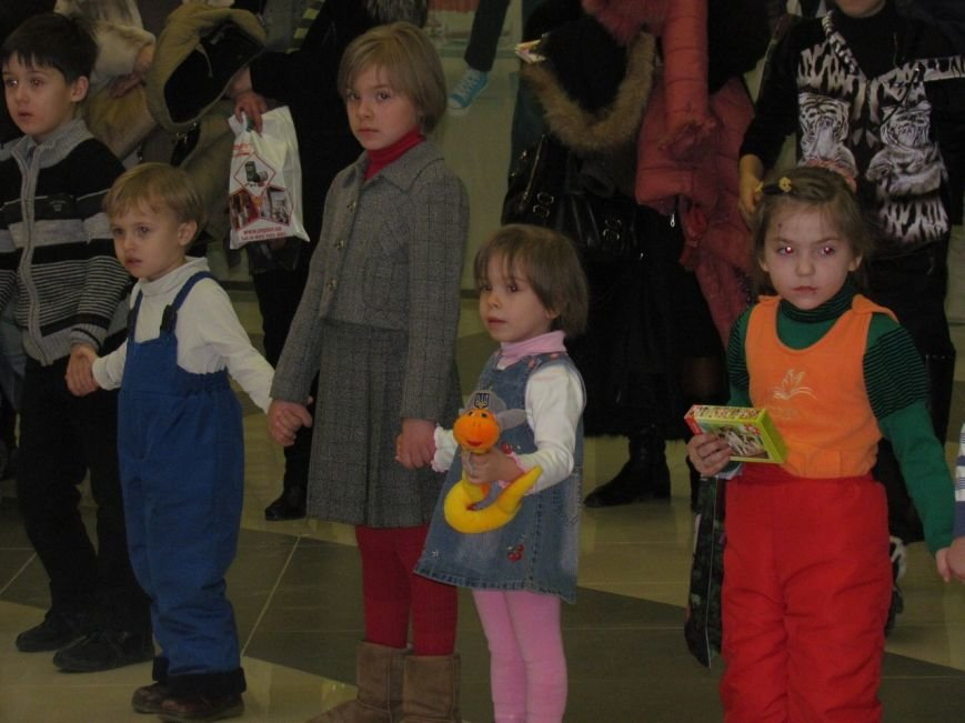 В Мариуполе в ТРЦ«ПортCity» подарили праздник детям (ФОТО), фото-8