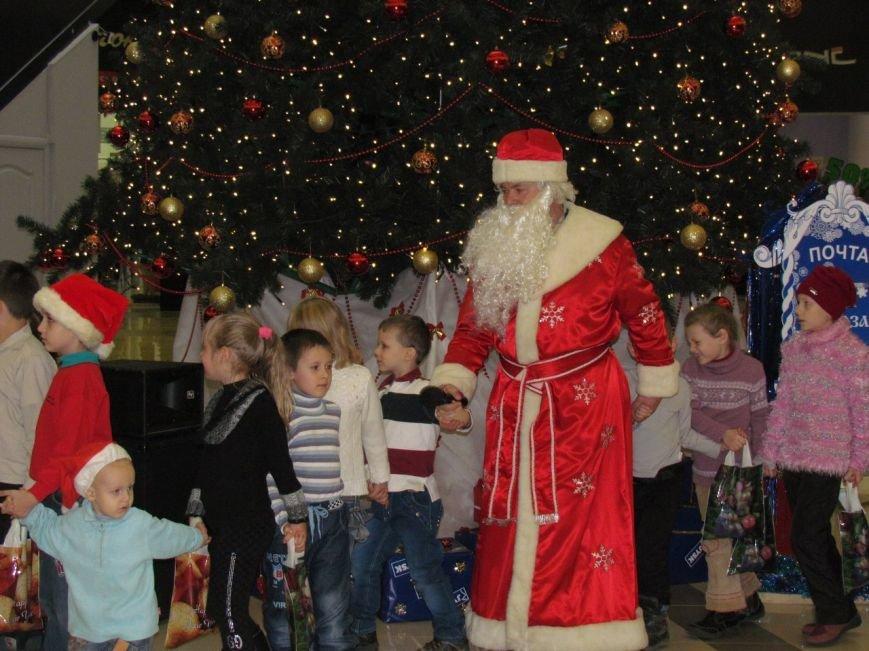 В Мариуполе в ТРЦ«ПортCity» подарили праздник детям (ФОТО), фото-7