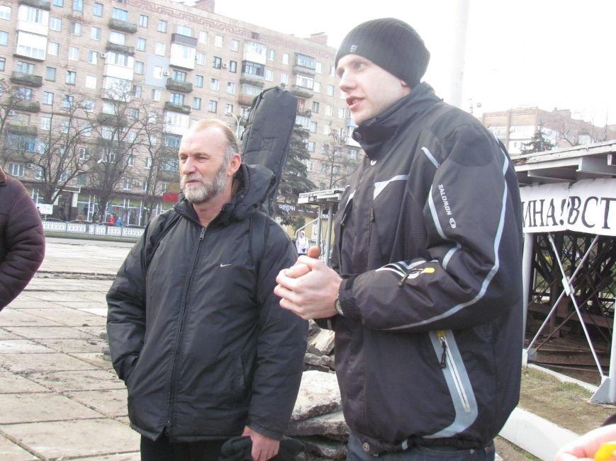 В Мариуполе  сегодня слушали  ходоков на киевский Евромайдан (ФОТО, Видео), фото-8