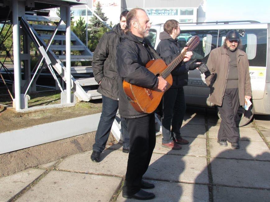 В Мариуполе  сегодня слушали  ходоков на киевский Евромайдан (ФОТО, Видео), фото-10