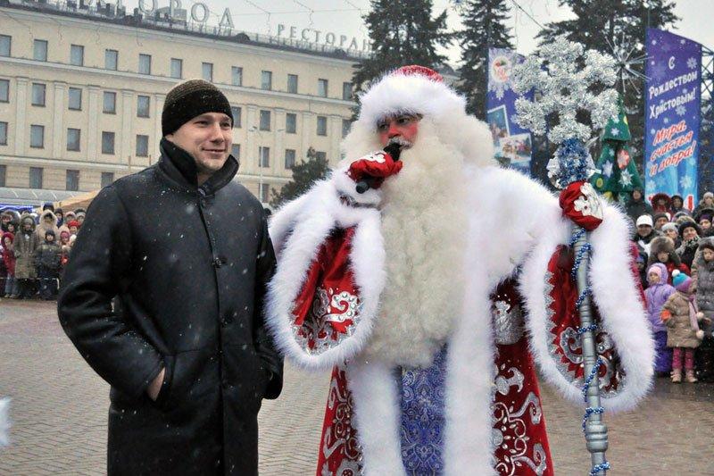 Армия Дедов Морозов и Снегурочек захватила Белгород, фото-8