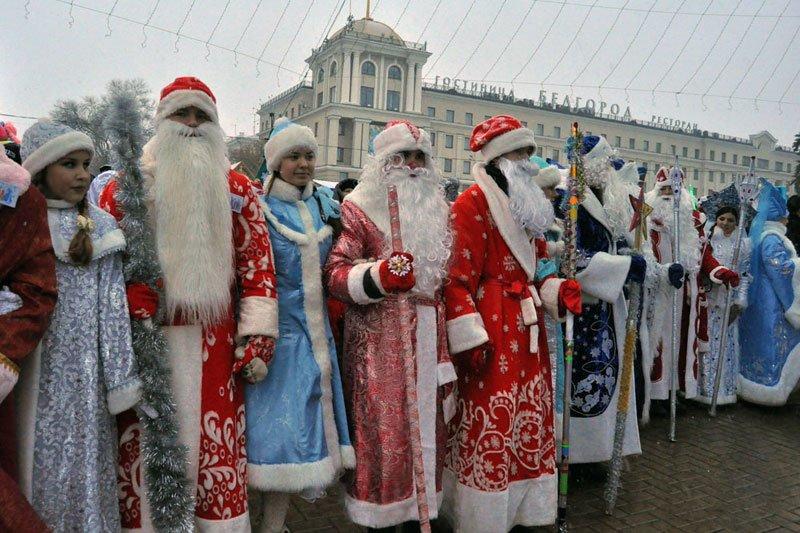 Армия Дедов Морозов и Снегурочек захватила Белгород, фото-10