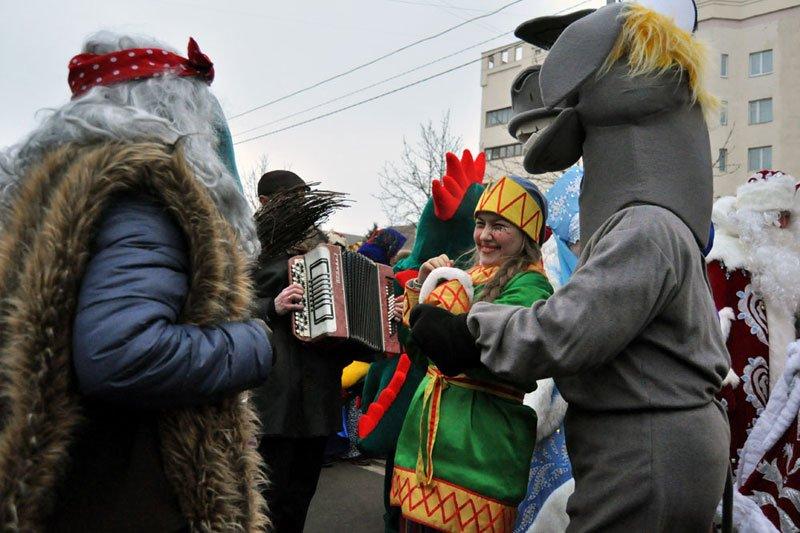 Армия Дедов Морозов и Снегурочек захватила Белгород, фото-2