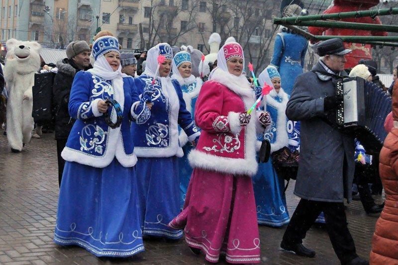 Армия Дедов Морозов и Снегурочек захватила Белгород, фото-9