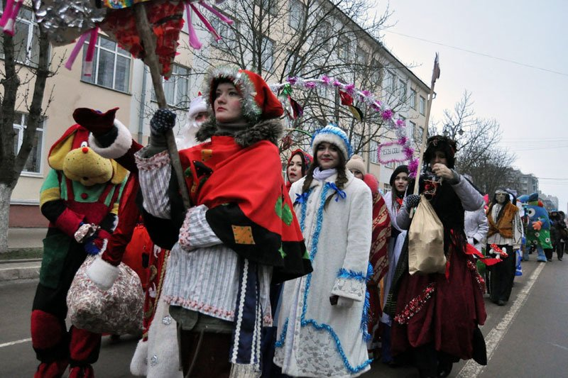 Армия Дедов Морозов и Снегурочек захватила Белгород, фото-7