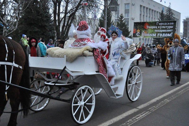 Армия Дедов Морозов и Снегурочек захватила Белгород, фото-5