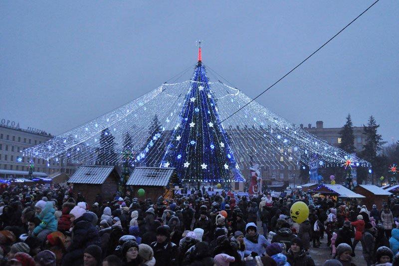Армия Дедов Морозов и Снегурочек захватила Белгород, фото-13
