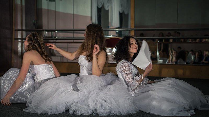 Актрисы театра «Новая сцена-2» сыграли трёх высоких женщин в пьесе абсурда, фото-2