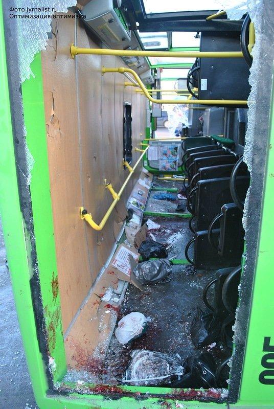 В Луганске перевернулся автобус. 18 человек госпитализировано (ФОТО), фото-5