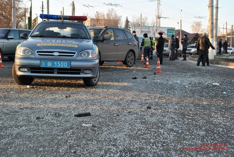 В Луганске перевернулся автобус. 18 человек госпитализировано (ФОТО), фото-4