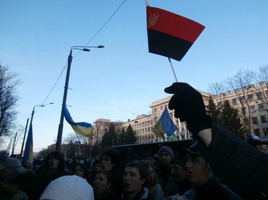 Харьковчане символически переименовали проспект Ленина в честь фронтмена британской группы The Beatles Джона Леннона (фото, видео), фото-33
