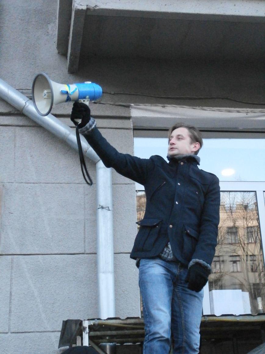 Харьковчане символически переименовали проспект Ленина в честь фронтмена британской группы The Beatles Джона Леннона (фото, видео), фото-35