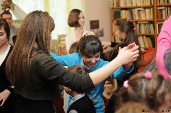 В Черниговской области для детей устроили благотворительный Рождественский вертеп, фото-2