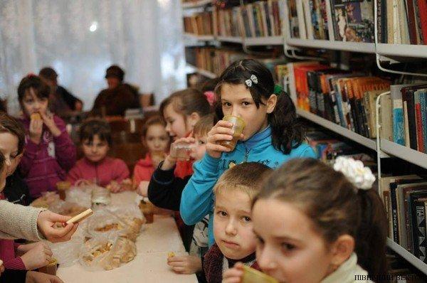 В Черниговской области для детей устроили благотворительный Рождественский вертеп, фото-5