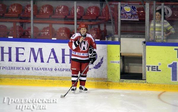 20131224_гродно_хоккейный клуб неман_благотворительный матчк_игрушки_новый год и рождество-4