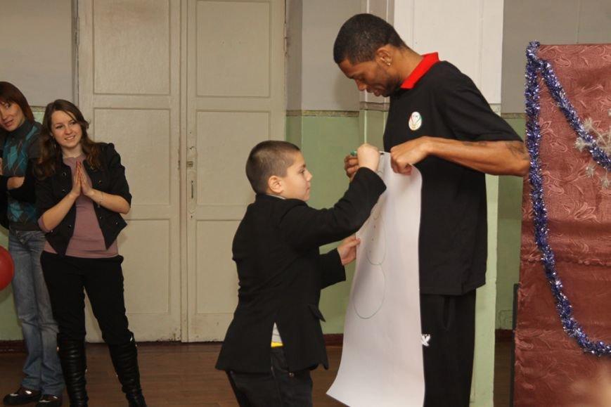 Дети школы-интерната №1 пообщались со звездами криворожского баскетбола, фото-3