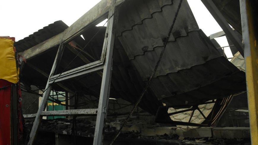 В Красноармейске на центральном рынке сгорел торговый павильон (ФОТО), фото-7