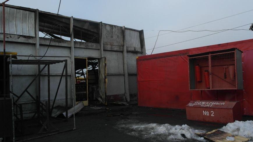 В Красноармейске на центральном рынке сгорел торговый павильон (ФОТО), фото-24