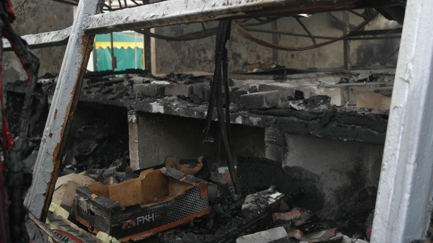 В Красноармейске на центральном рынке сгорел торговый павильон (ФОТО), фото-4