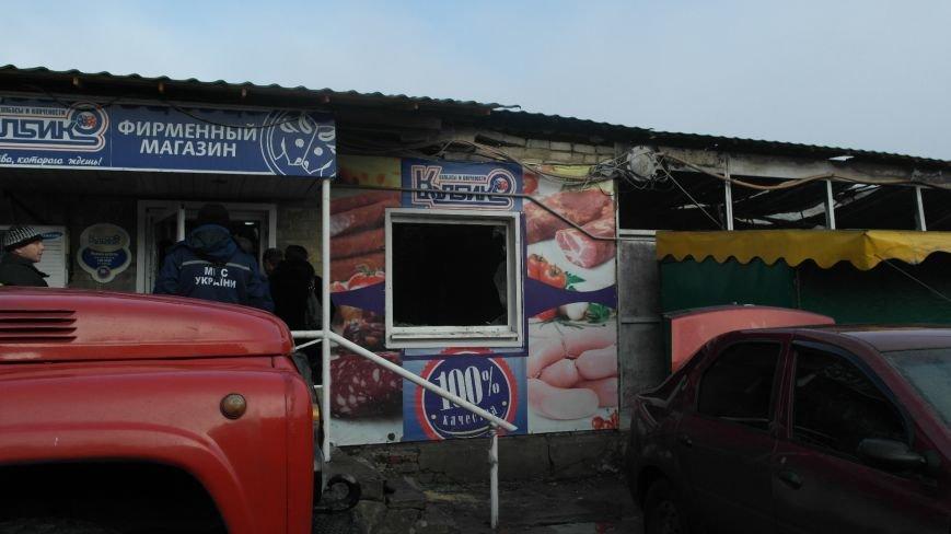 В Красноармейске на центральном рынке сгорел торговый павильон (ФОТО), фото-19