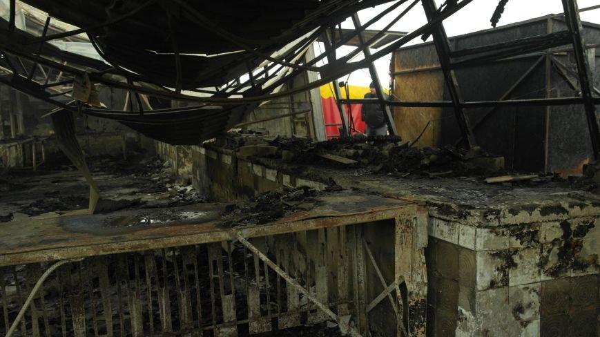 В Красноармейске на центральном рынке сгорел торговый павильон (ФОТО), фото-26