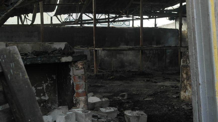 В Красноармейске на центральном рынке сгорел торговый павильон (ФОТО), фото-3