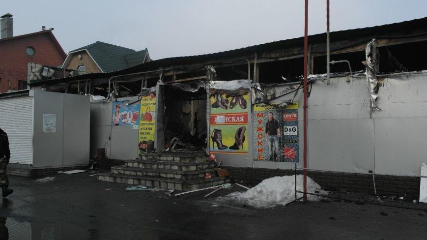 В Красноармейске на центральном рынке сгорел торговый павильон (ФОТО), фото-18