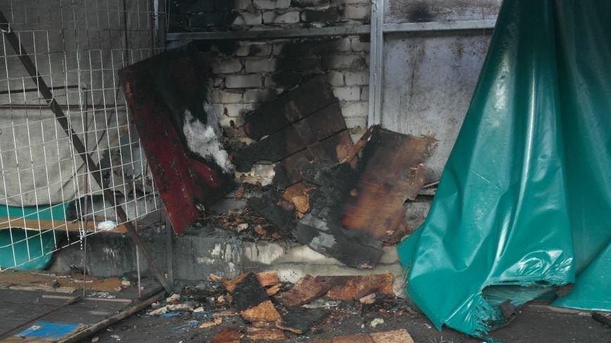 В Красноармейске на центральном рынке сгорел торговый павильон (ФОТО), фото-23