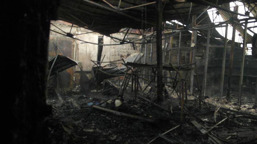 В Красноармейске на центральном рынке сгорел торговый павильон (ФОТО), фото-12