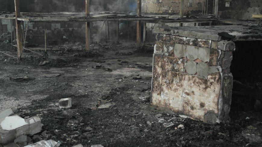 В Красноармейске на центральном рынке сгорел торговый павильон (ФОТО), фото-6