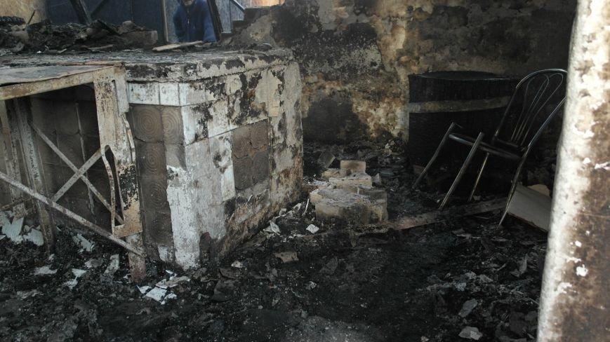 В Красноармейске на центральном рынке сгорел торговый павильон (ФОТО), фото-31