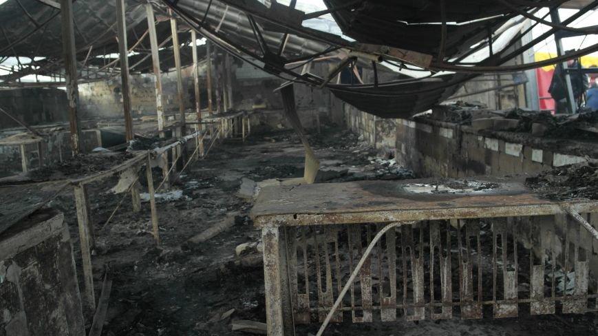 В Красноармейске на центральном рынке сгорел торговый павильон (ФОТО), фото-32