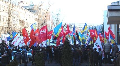 Тисячі людей пікетують МВС та вимагають розслідування побиття Чорновол (ФОТО), фото-6