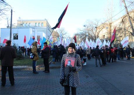 Тисячі людей пікетують МВС та вимагають розслідування побиття Чорновол (ФОТО), фото-3