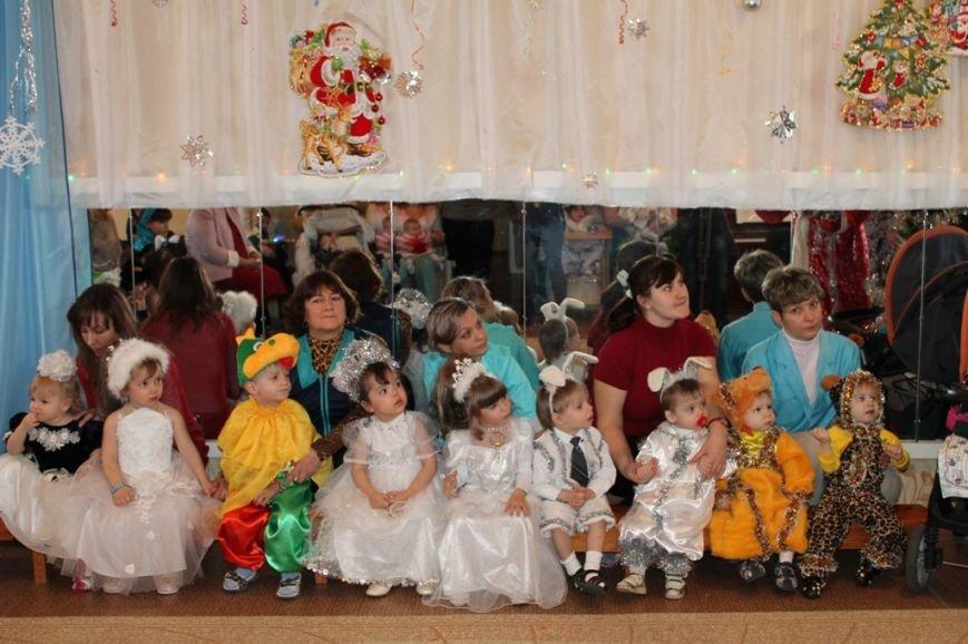 Воспитанники артемовского Дома Ребенка блеснули талантами перед Дедом Морозом, фото-10