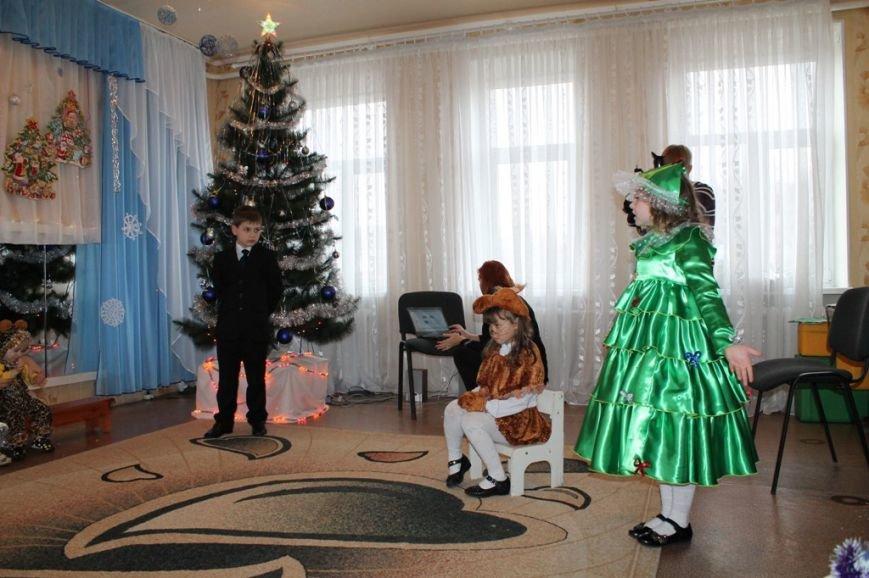 Воспитанники артемовского Дома Ребенка блеснули талантами перед Дедом Морозом, фото-8