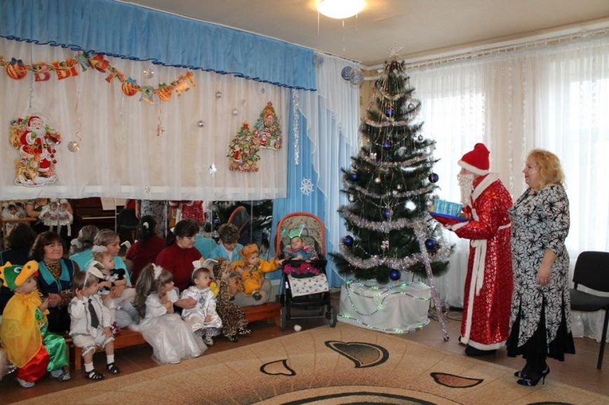 Воспитанники артемовского Дома Ребенка блеснули талантами перед Дедом Морозом, фото-7